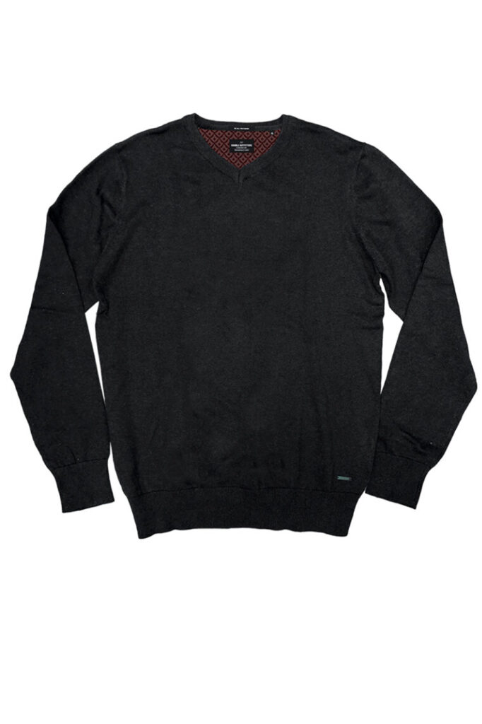 DOUBLE OUTFITTERS Round V Neck Black
