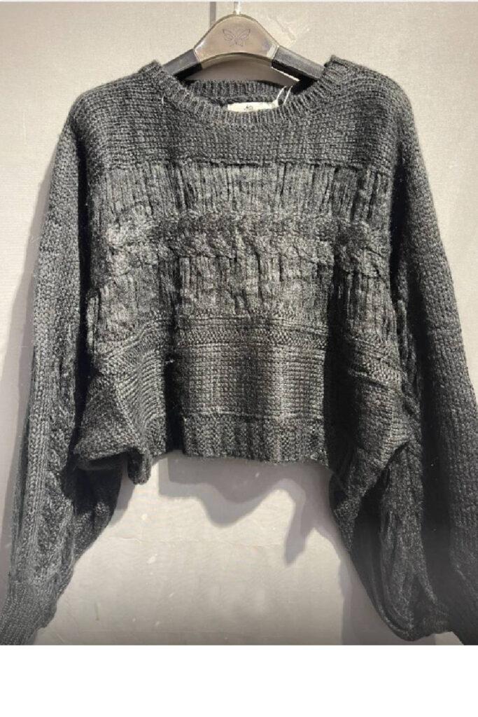 Μαύρο πλεκτό μάλλινο πουλόβερ