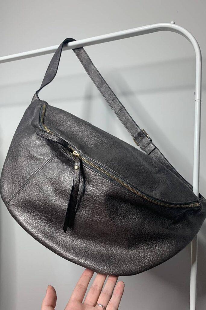 Ασημί μπρονζέ τσάντα belt bag